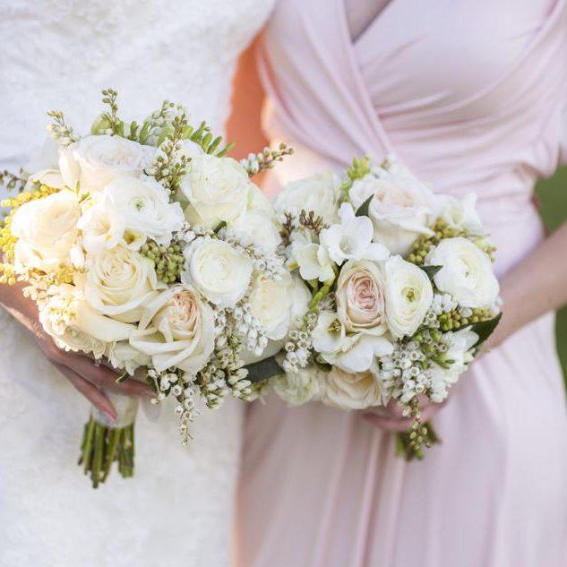 Bride_BridesmaidsBouquet